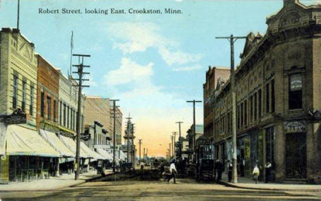 Robert Street looking east, Crookston Minnesota, 1913