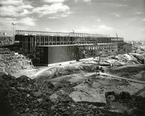 Construction of concentrator building at Erie Mining Company, Hoyt Lakes Minnesota, 1950