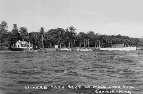 Silker's Cozy Cove on Lake Mille Lacs, Onamia Minnesota, 1950's