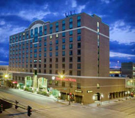 Doubletree Hotel Rochester - Mayo Clinic Area, MN - Hotel Exterior