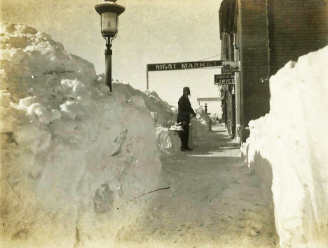Scene after blizzard, Cottonwood Minnesota, 1909