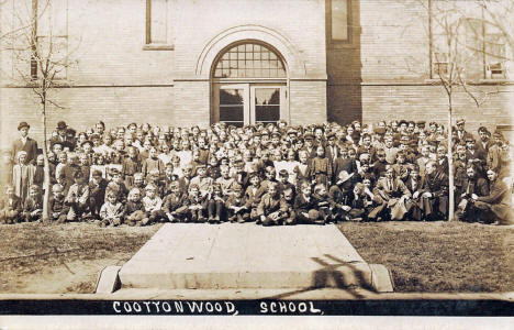 Cottonwood School, Cottonwood Minnesota, 1910