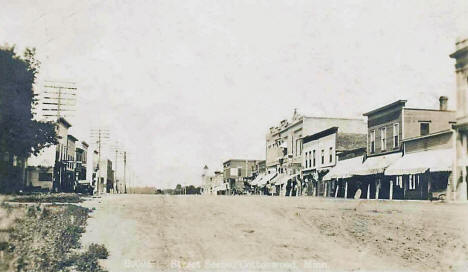Street scene, Cottonwood Minnesota, 1915