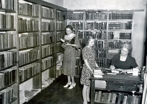 Willow River school library, Willow River Minnesota, 1940's
